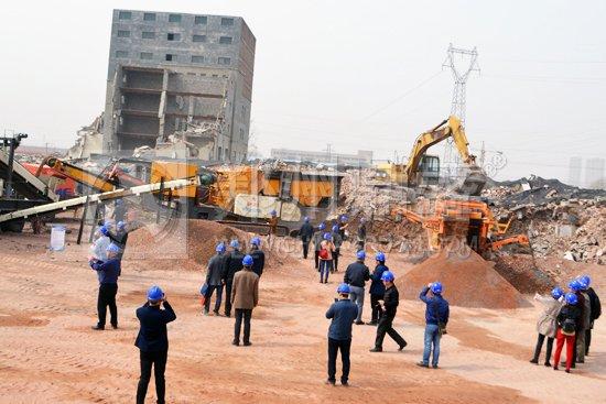 广西省住建厅墙改办一行考察郑州市高新区建筑垃圾消纳