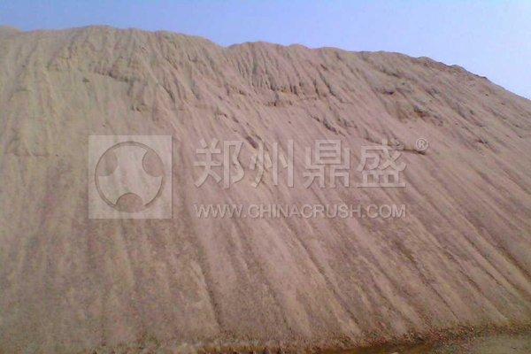 河沙和石头碎的沙如何选择制砂机?