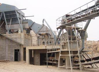 图一:我司锤式long8苹果版网站在山东青州金龙石料生产线作业图