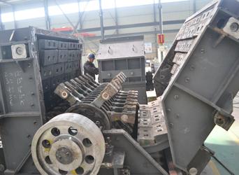 可逆锤式破碎机内部结构展示