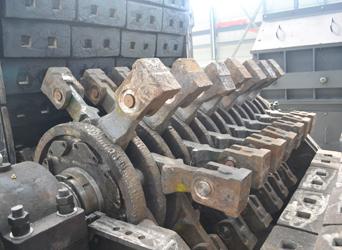 可逆锤式破碎机使用的高铬复合小锤头