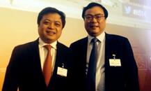 卢洪波与正泰集团董事长南存辉在汉堡峰会合影
